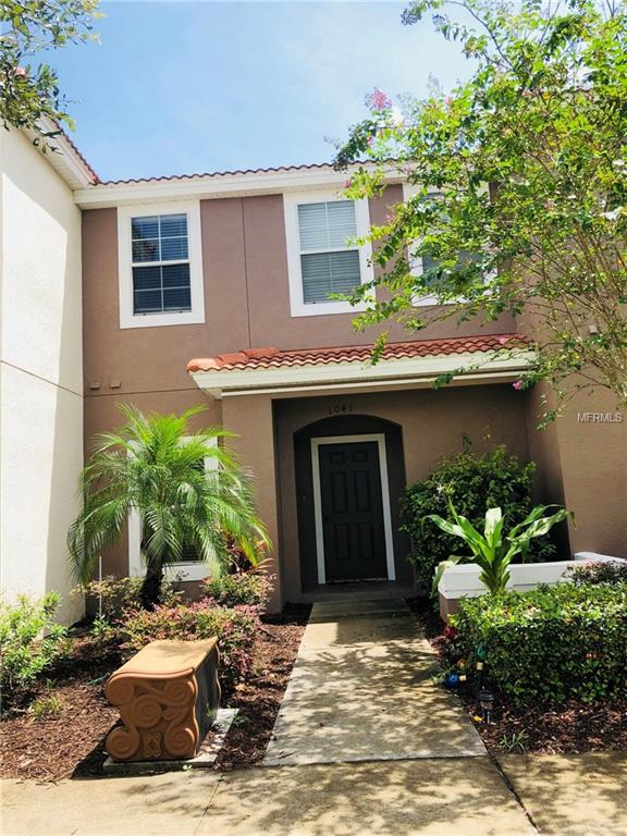 1041 Las Fuentes Drive, Kissimmee, FL 34746 (MLS #O5729206) :: Griffin Group