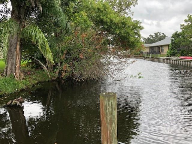 S Canal Drive, Palm Harbor, FL 34684 (MLS #O5769398) :: Premium Properties Real Estate Services