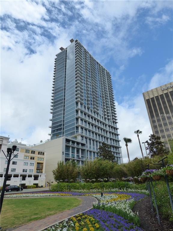 150 E Robinson Street 7S-14, Orlando, FL 32801 (MLS #O5778392) :: The Duncan Duo Team