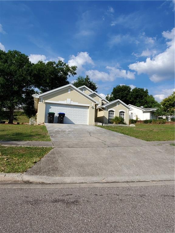 6149 Brookhill Circle, Orlando, FL 32810 (MLS #O5780612) :: The Duncan Duo Team