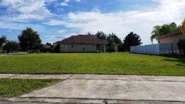 4300 Heliotrope Loop, Kissimmee, FL 34746 (MLS #O5806282) :: Lock & Key Realty