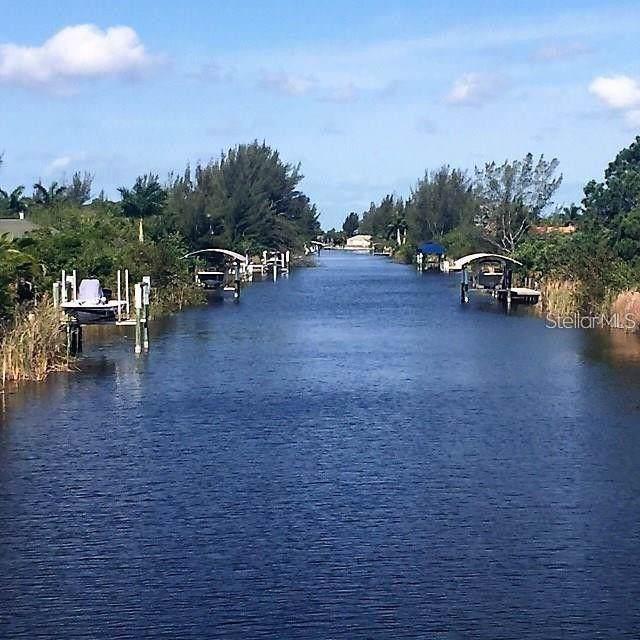10079 Lebanon Drive, Port Charlotte, FL 33981 (MLS #O5809250) :: Ideal Florida Real Estate