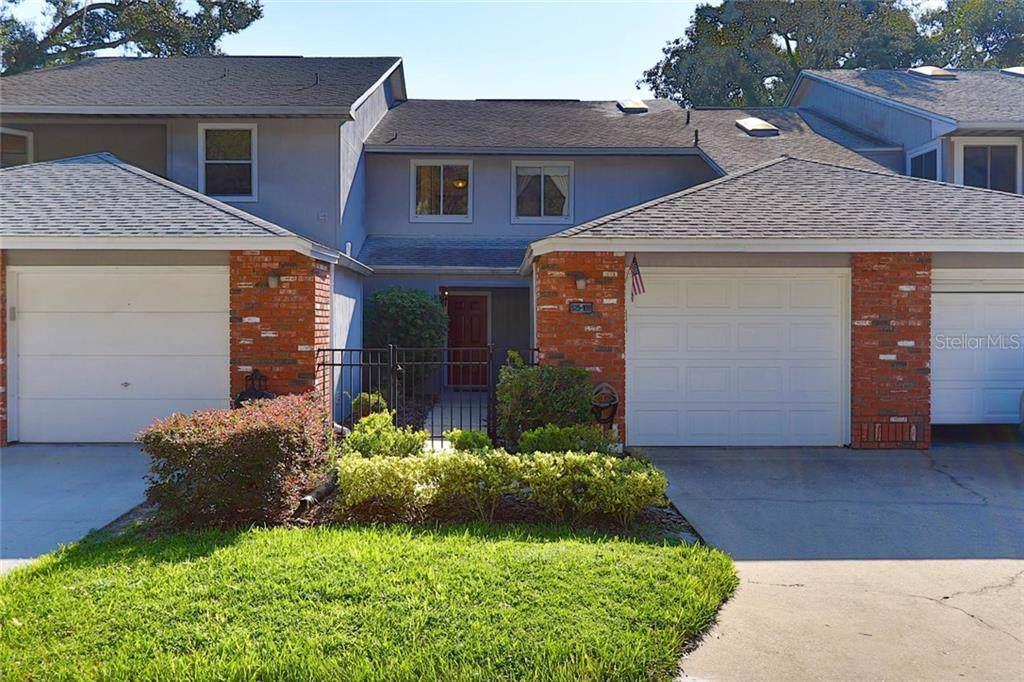 525 Oak Terrace - Photo 1