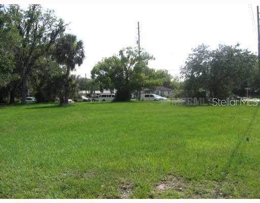 415 N John Young Parkway, Kissimmee, FL 34741 (MLS #O5822060) :: The Heidi Schrock Team