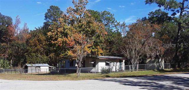 422 Hoot Owl Road, Satsuma, FL 32189 (MLS #O5837857) :: The Duncan Duo Team