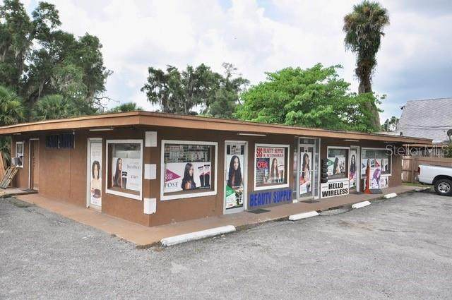 1212 E New York Avenue, Deland, FL 32724 (MLS #O5843920) :: Florida Life Real Estate Group