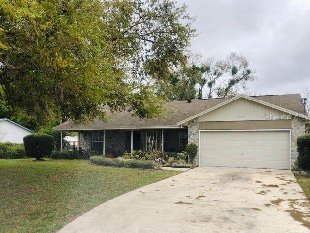 2121 Underwood Avenue, Saint Cloud, FL 34771 (MLS #O5845980) :: Team Pepka