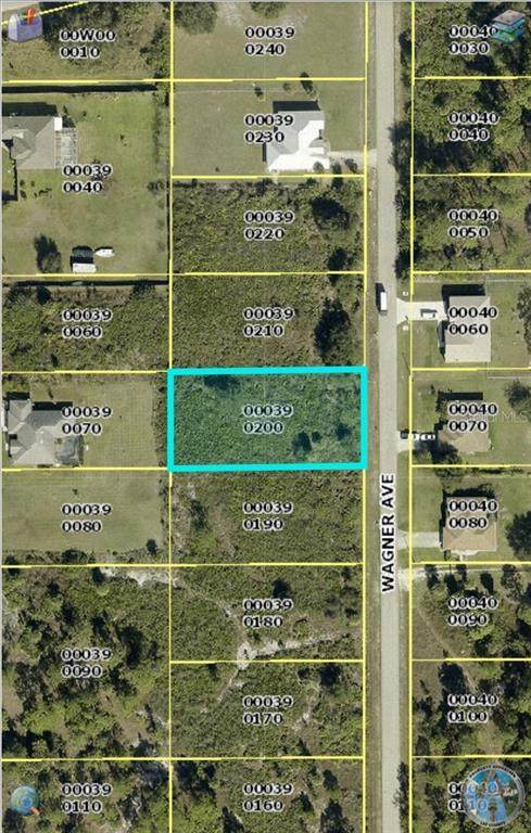 1113 Wagner Avenue, Lehigh Acres, FL 33972 (MLS #O5893606) :: Alpha Equity Team