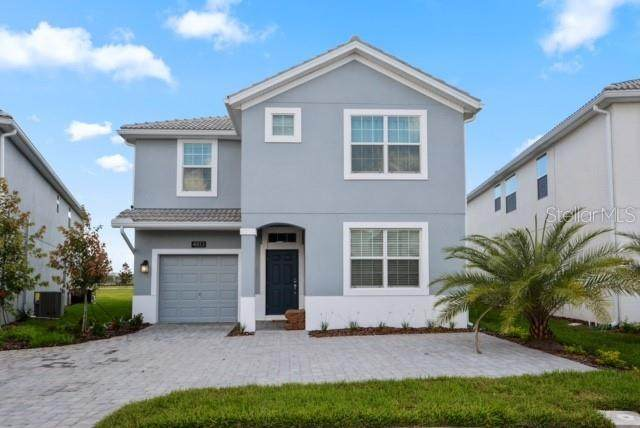 4813 Kings Castle Circle, Kissimmee, FL 34746 (MLS #O5908912) :: Lockhart & Walseth Team, Realtors