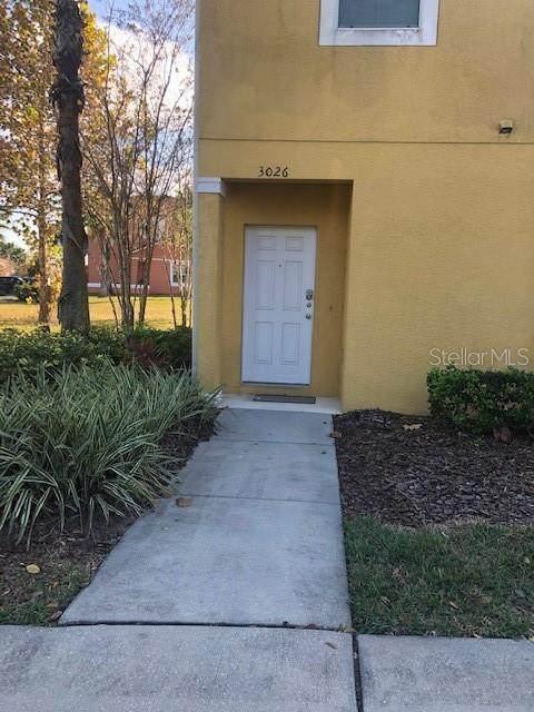 3026 Secret Lake Drive, Kissimmee, FL 34747 (MLS #O5911817) :: Griffin Group