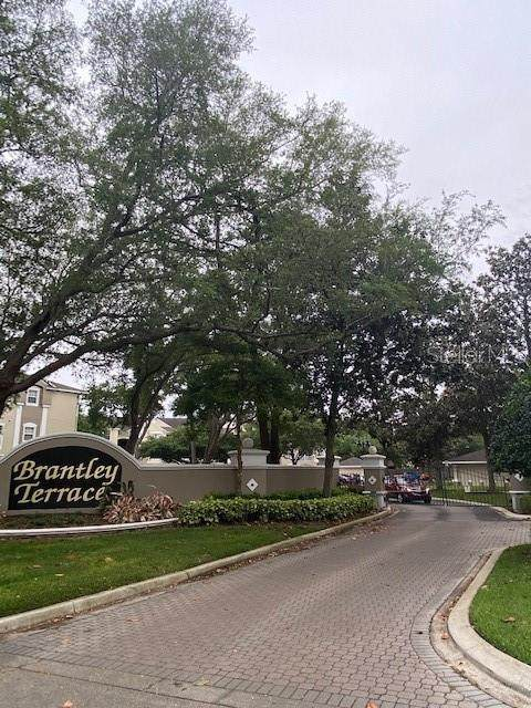 581 Brantley Terrace Way #200, Altamonte Springs, FL 32714 (MLS #O5937621) :: Bob Paulson with Vylla Home
