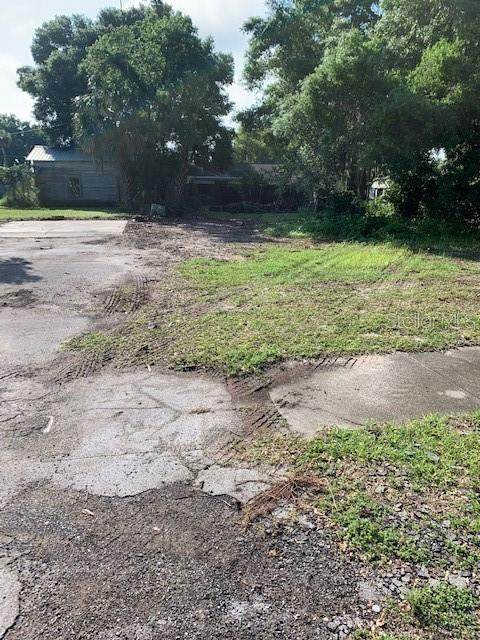 Davis Avenue, Umatilla, FL 32784 (MLS #O5938657) :: Vacasa Real Estate