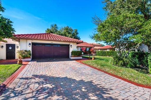 8218 Borgia Court, Orlando, FL 32836 (MLS #O5942490) :: Century 21 Professional Group