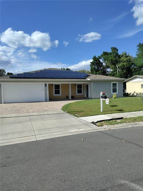 2009 Corena Drive, Orlando, FL 32810 (MLS #O5944612) :: Prestige Home Realty