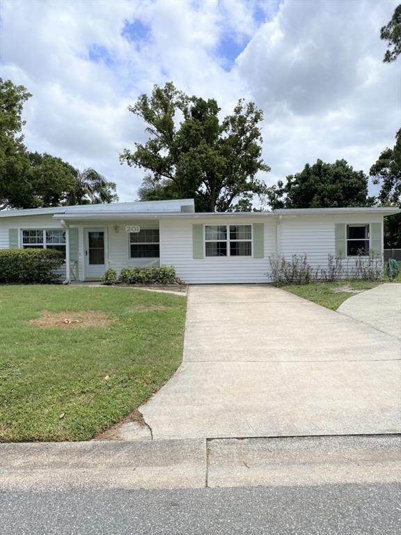 201 Tangerine Drive, Sanford, FL 32771 (MLS #O5944886) :: Bridge Realty Group