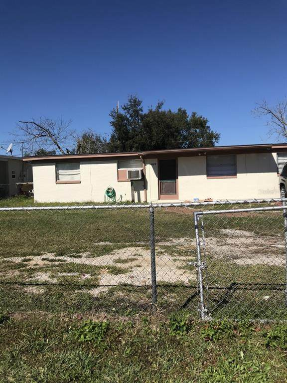 4323 Ravinnia Drive, Orlando, FL 32809 (MLS #O5952845) :: RE/MAX Premier Properties