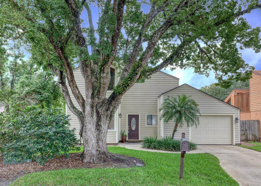 320 Hunters Point Court - Photo 1
