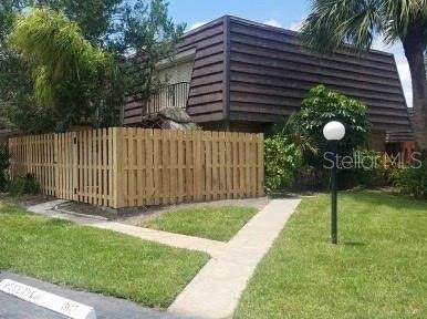 1911 Vista Oaks Circle NE, Palm Bay, FL 32905 (MLS #O5960266) :: Vacasa Real Estate