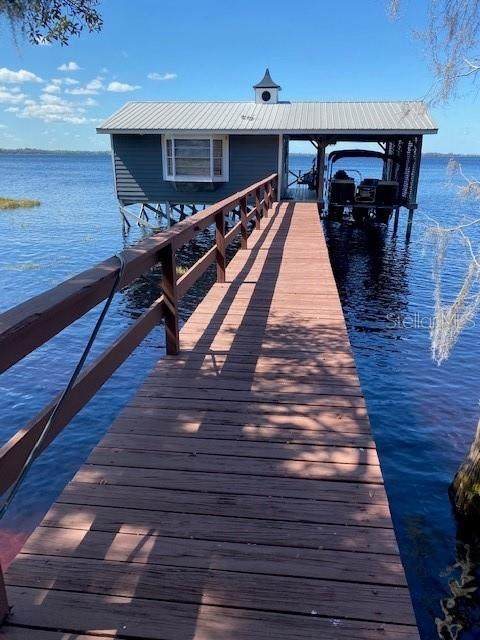 2305 S Lakeshore Drive, Clermont, FL 34711 (MLS #O5970346) :: GO Realty