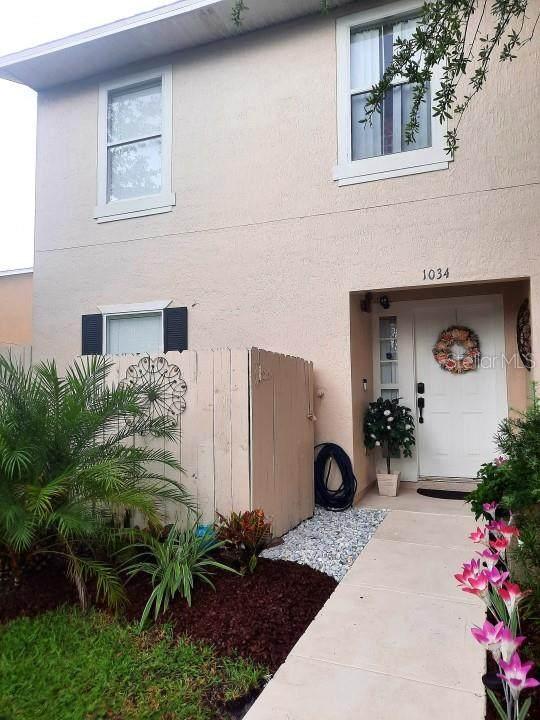 1034 Dolphin Drive, Winter Garden, FL 34787 (MLS #O5973905) :: The Lersch Group