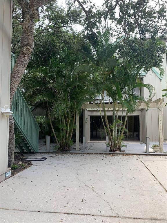834 E 12TH Avenue, New Smyrna Beach, FL 32169 (MLS #O5975414) :: Vacasa Real Estate