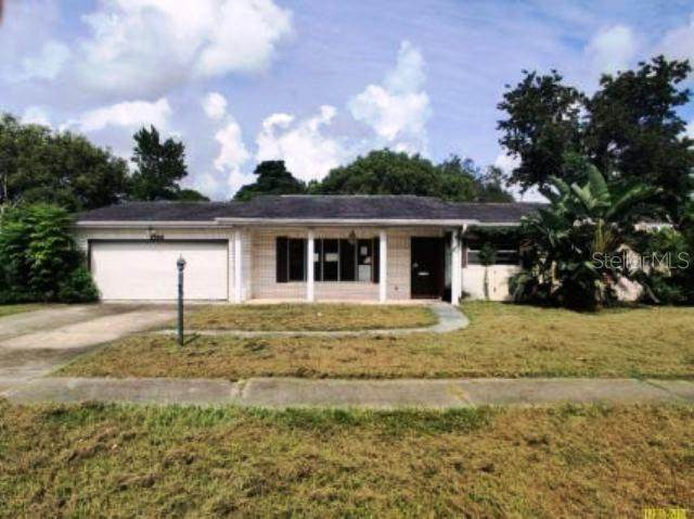 1566 Falmouth Avenue, Deltona, FL 32725 (MLS #O5979228) :: Charles Rutenberg Realty
