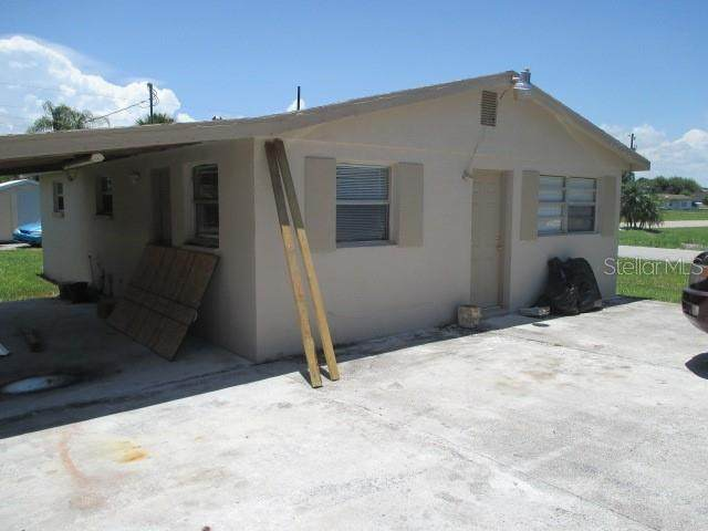911 NE 17TH Avenue, Okeechobee, FL 34972 (MLS #OK219320) :: Armel Real Estate