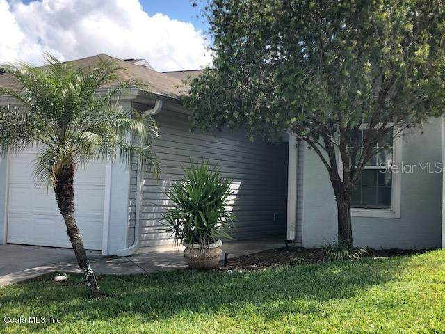 2438 SE 18th Circle, Ocala, FL 34471 (MLS #OM564106) :: The Dora Campbell Team