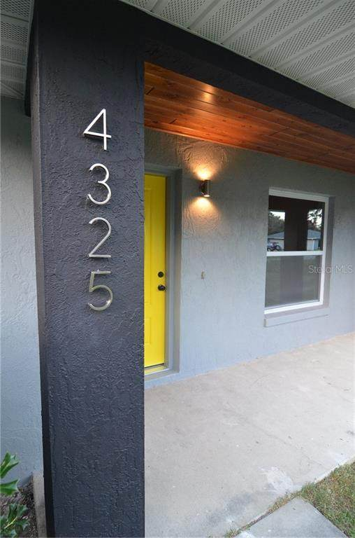 4325 SE 61ST Street, Ocala, FL 34480 (MLS #OM610925) :: Young Real Estate