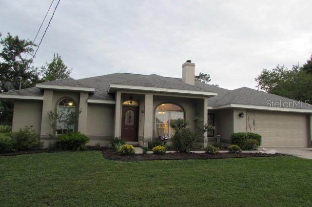 12 Almond Trail Lane, Ocala, FL 34472 (MLS #OM622233) :: The Price Group