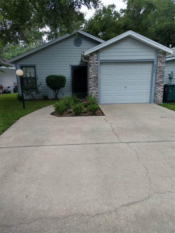2322 NE 40TH Avenue, Ocala, FL 34470 (MLS #OM622317) :: Carmena and Associates Realty Group