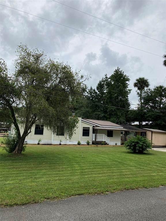 55624 Sam Street, Astor, FL 32102 (MLS #OM627004) :: Delgado Home Team at Keller Williams