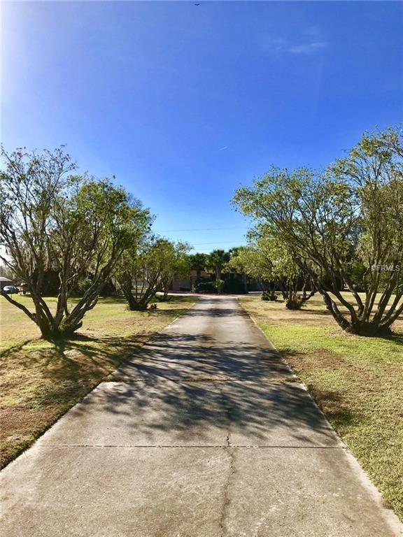 1961 Foxhollow Drive E, Auburndale, FL 33823 (MLS #P4718674) :: Gate Arty & the Group - Keller Williams Realty