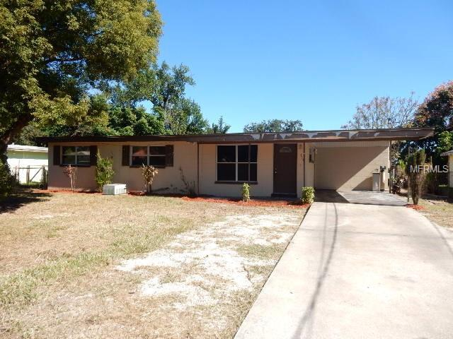 114 Edgewater Drive, Winter Haven, FL 33881 (MLS #P4903770) :: Welcome Home Florida Team