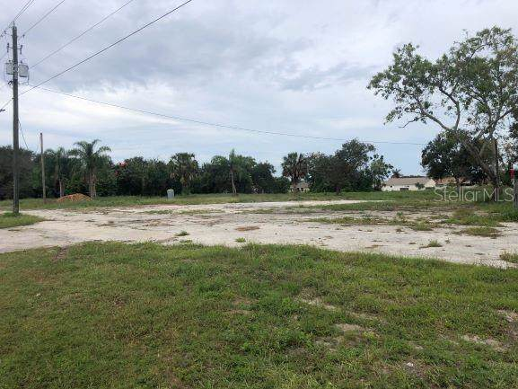 7325 Cypress Gardens Boulevard, Winter Haven, FL 33884 (MLS #P4908159) :: Team Vasquez Group