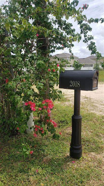 2018 Holly Hill Fruit Road, Davenport, FL 33837 (MLS #P4917431) :: GO Realty