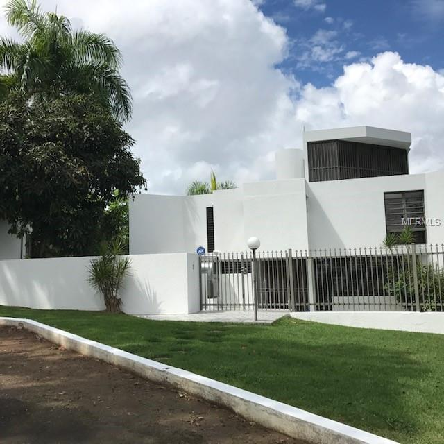 858 Dos Bocas, CAROLINA, PR 00981 (MLS #PR9089210) :: KELLER WILLIAMS ELITE PARTNERS IV REALTY