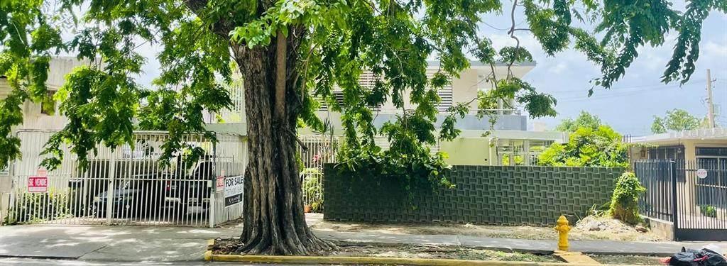 5 Las Americas Ave - Photo 1