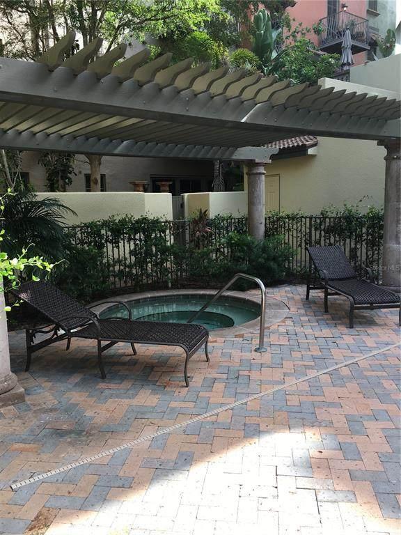 1533 Oak Street #13, Sarasota, FL 34236 (MLS #R4904847) :: Sarasota Home Specialists