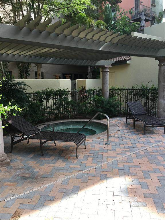 1533 Oak Street #13, Sarasota, FL 34236 (MLS #R4904847) :: Zarghami Group