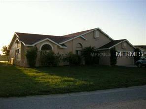 340 Blue Bayou Drive, Kissimmee, FL 34743 (MLS #S4857698) :: The Light Team