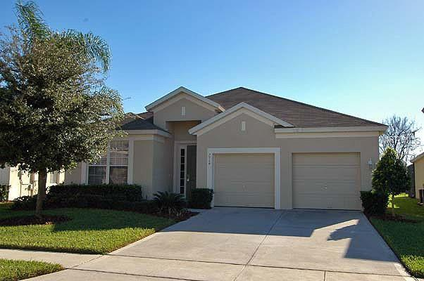 7714 Comrow Street, Kissimmee, FL 34747 (MLS #S5001055) :: RE/MAX Realtec Group
