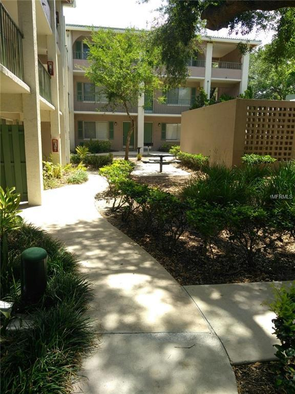 151 Oyster Bay Circle #320, Altamonte Springs, FL 32701 (MLS #S5001562) :: The Duncan Duo Team