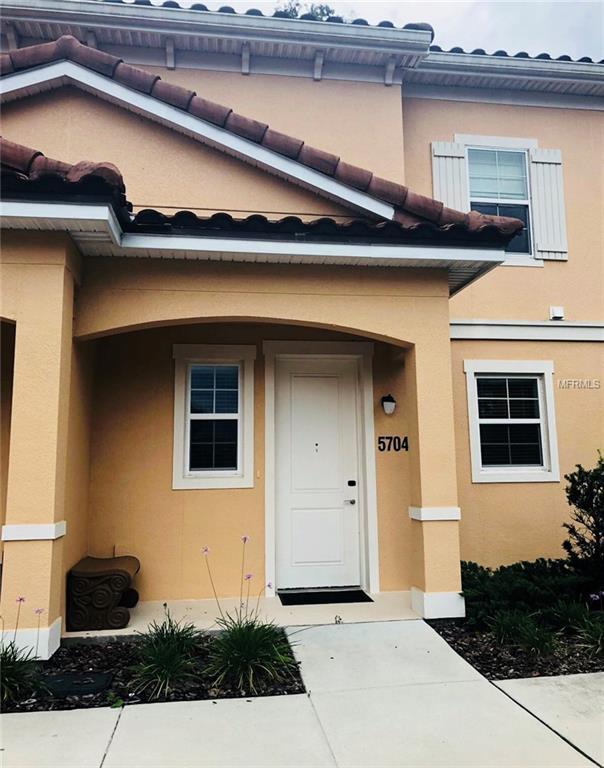 5704 Olga Street, Kissimmee, FL 34746 (MLS #S5001846) :: The Duncan Duo Team