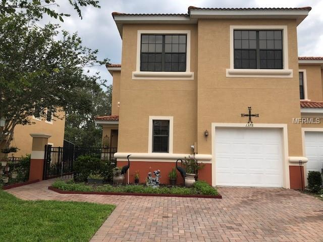 1378 Pacific Road, Poinciana, FL 34759 (MLS #S5003101) :: Griffin Group