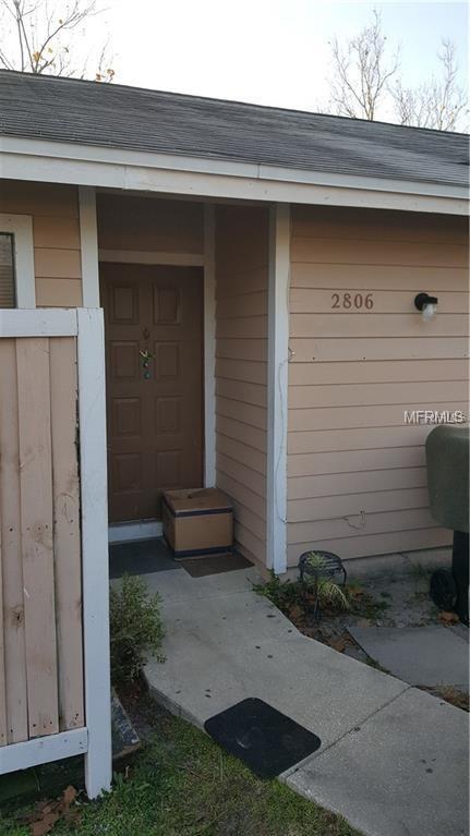 2806 Shining Willow Terrace, Orlando, FL 32808 (MLS #S5006148) :: The Duncan Duo Team