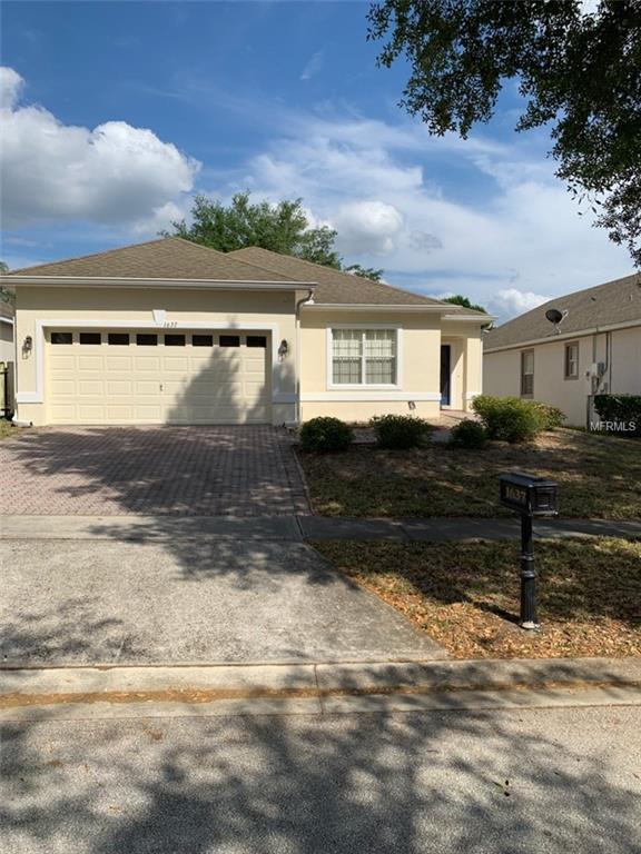 1637 N Hampton Drive, Davenport, FL 33897 (MLS #S5015436) :: Gate Arty & the Group - Keller Williams Realty
