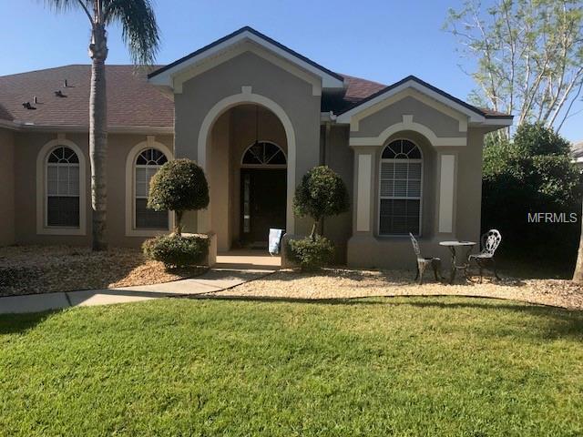5813 Guenevere Court, Saint Cloud, FL 34772 (MLS #S5016832) :: Delgado Home Team at Keller Williams