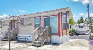 1309 Pine Island Drive N, Saint Cloud, FL 34771 (MLS #S5018243) :: Team Bohannon Keller Williams, Tampa Properties
