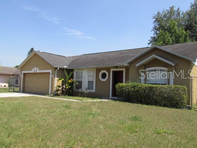 614 Mckinley Court, Kissimmee, FL 34758 (MLS #S5019207) :: Bustamante Real Estate